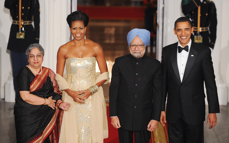 Obama lascia l'India, parlando di riforme
