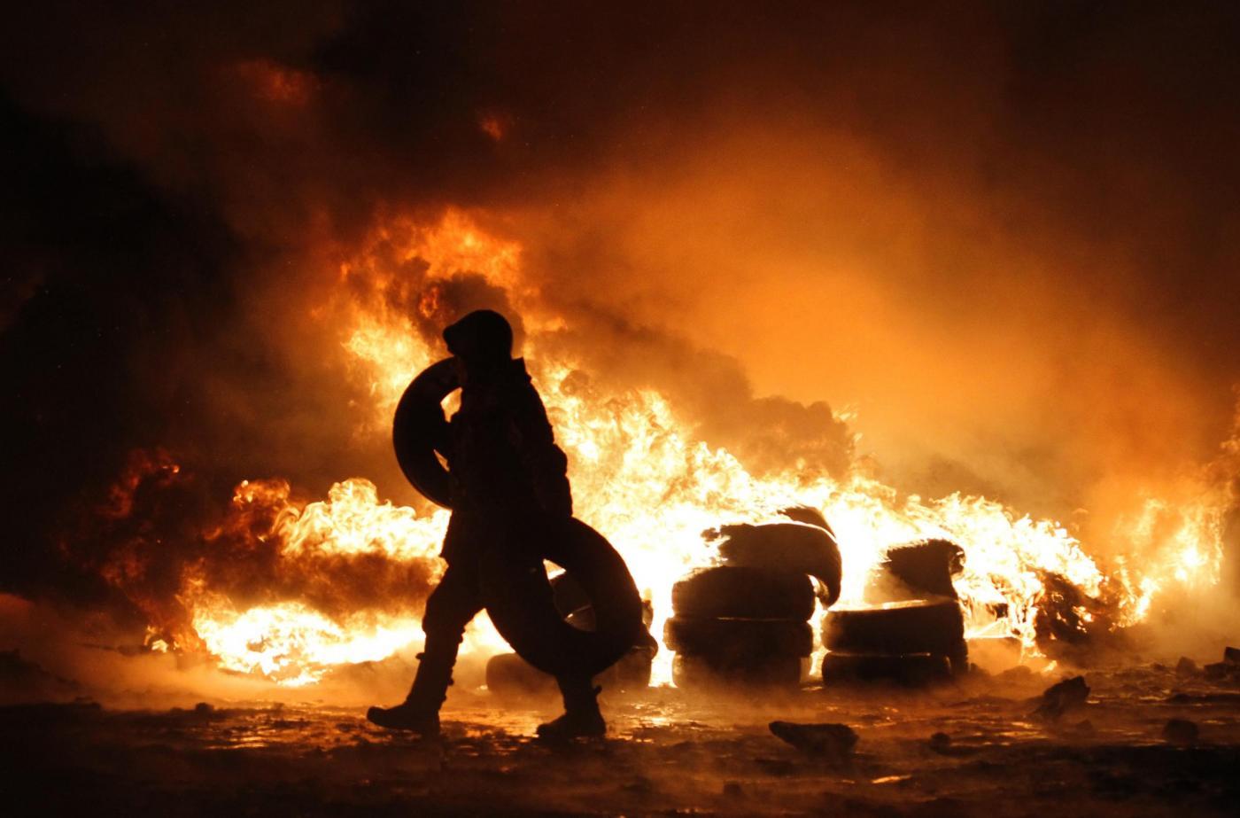 Poliziotti fra morti e feriti in esplosione a Kharkiv, Ucraina