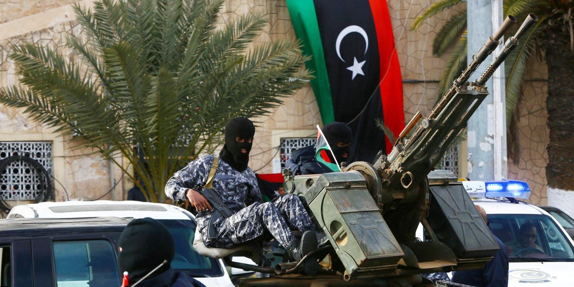Egitto: secondo attacco di bombardieri sulla Libia
