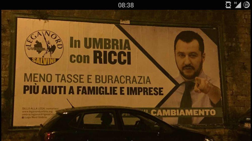 Gaffe sui manifesti di Salvini in Umbria