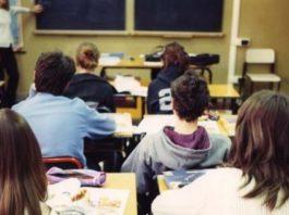 Monza, rifiutato dalla scuola perché omosessuale