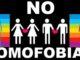 Madre accoltella e brucia il cadavere del figlio perché gay